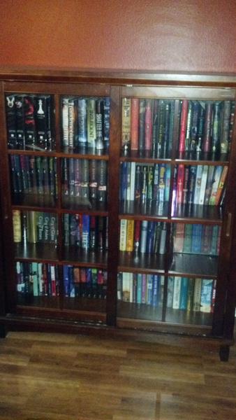 julie-bookshelf1